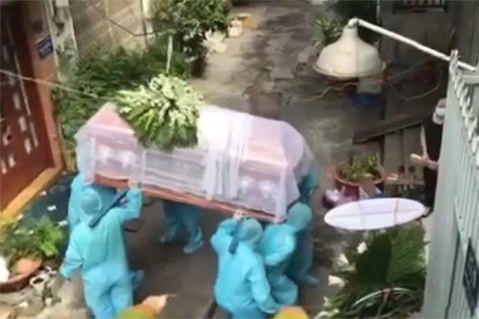 Một đám tang trong dịch Covid-19 ở TPHCM, tháng 7 năm 2021